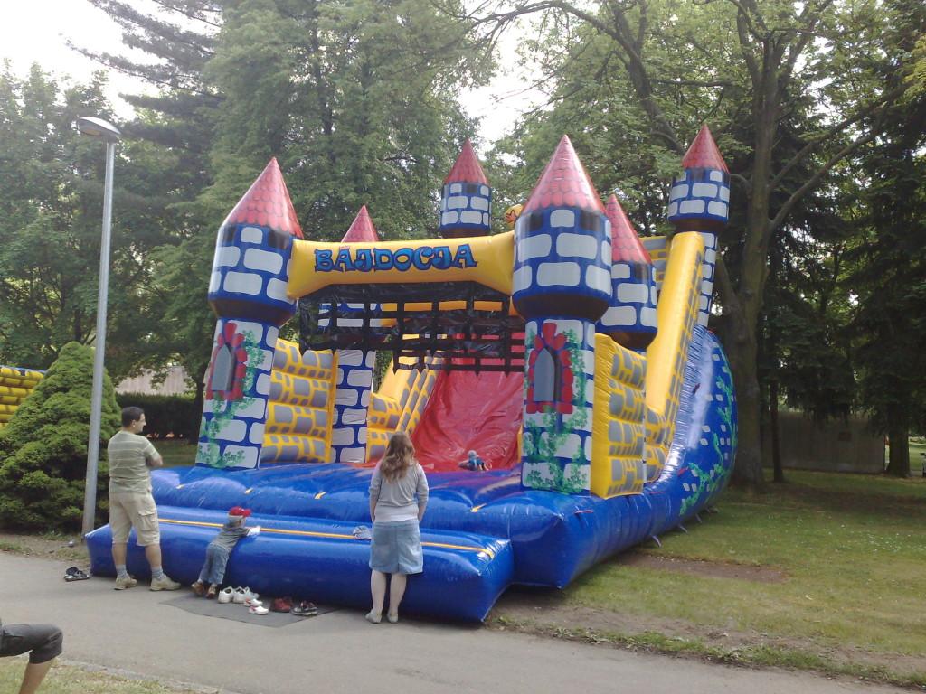 nafukovací hrad na svatbu pro děti