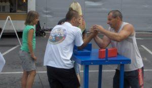 Armwrestling - zapůjčení stolů na páku