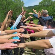 Hry týmové spolupráce teambuling